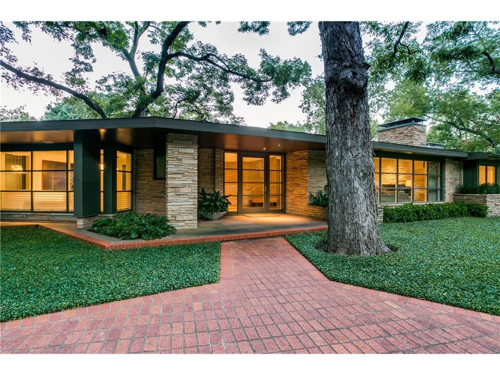 Totally midcentury modern dilbeck rambling field stone for Contemporary houses in dallas for sale