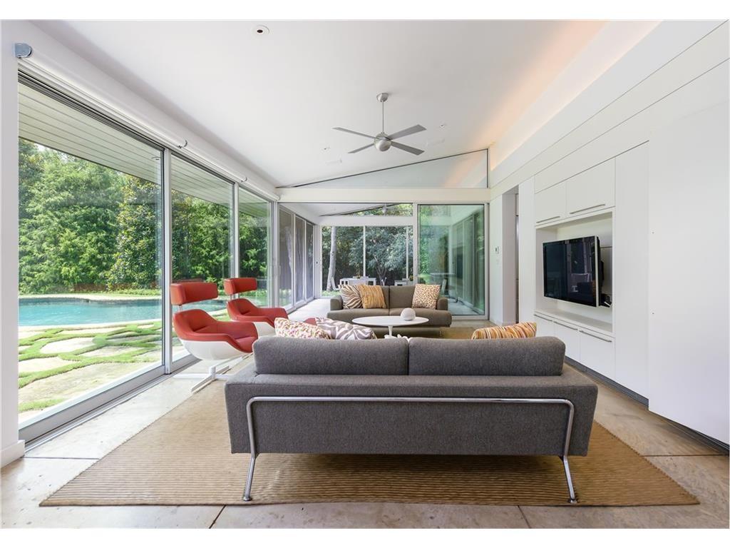 4605 Watauga porch