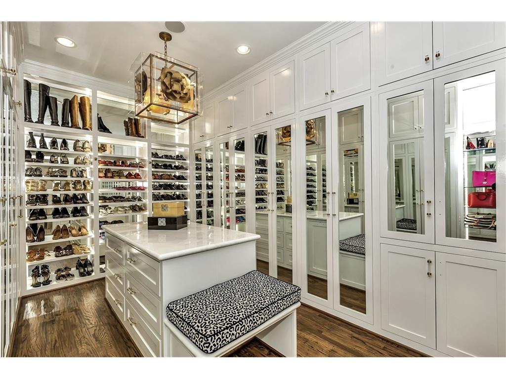 5504 Burkett Master Closet