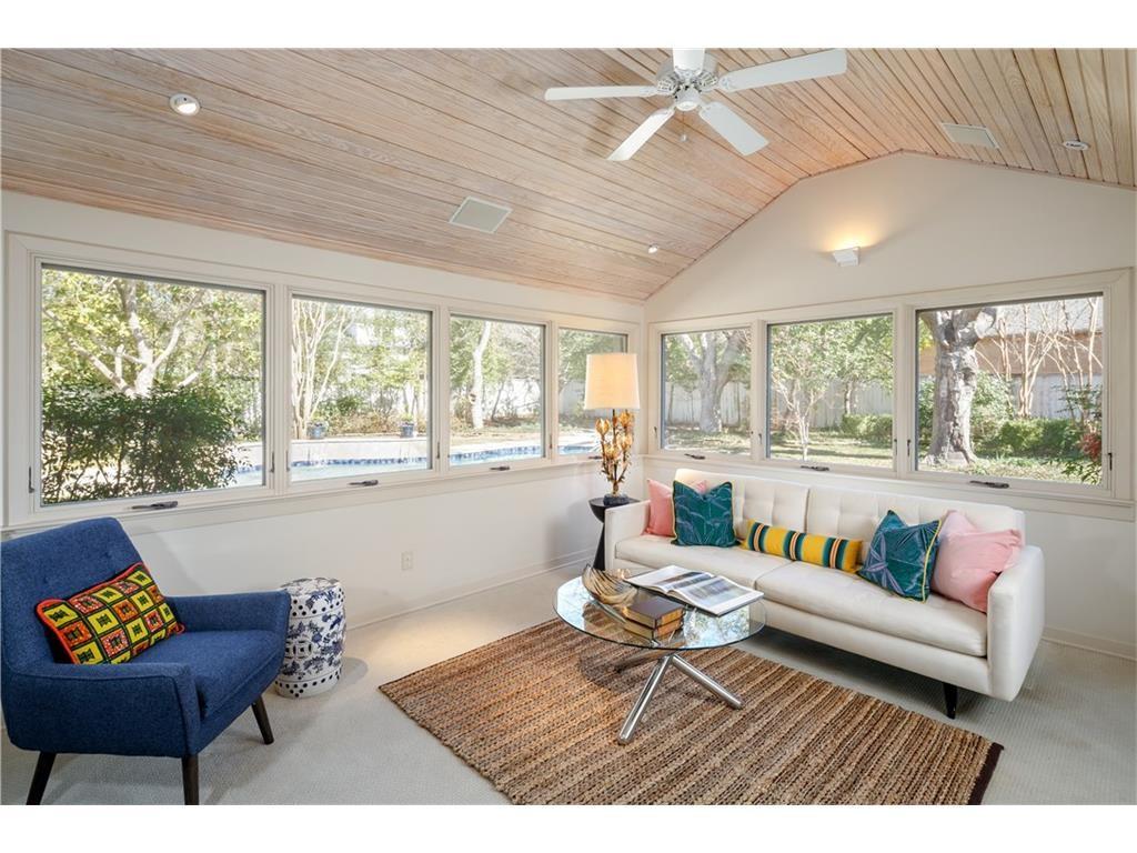 Contemporary Home, 5343 Wenonah Dr., Dallas, Texas