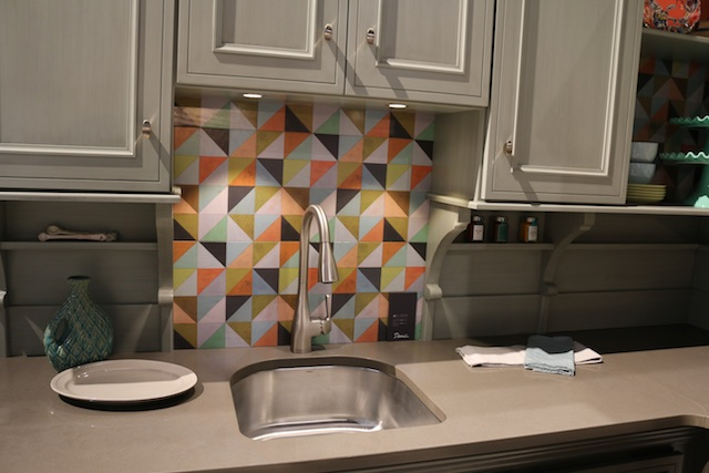 Decora Cabinets featured a colorful backsplash option (Photo: Lisa Stewart Photography)