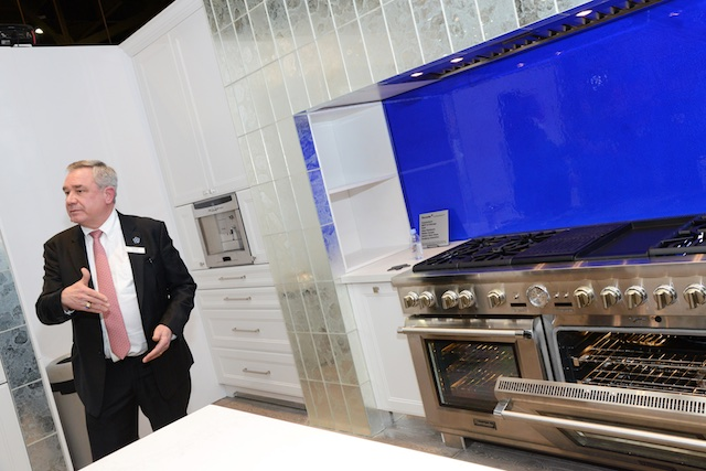 """Thermador introduces 60"""" Grand Pro Range at International Builders Show (Photo: Lisa Stewart Photography)"""