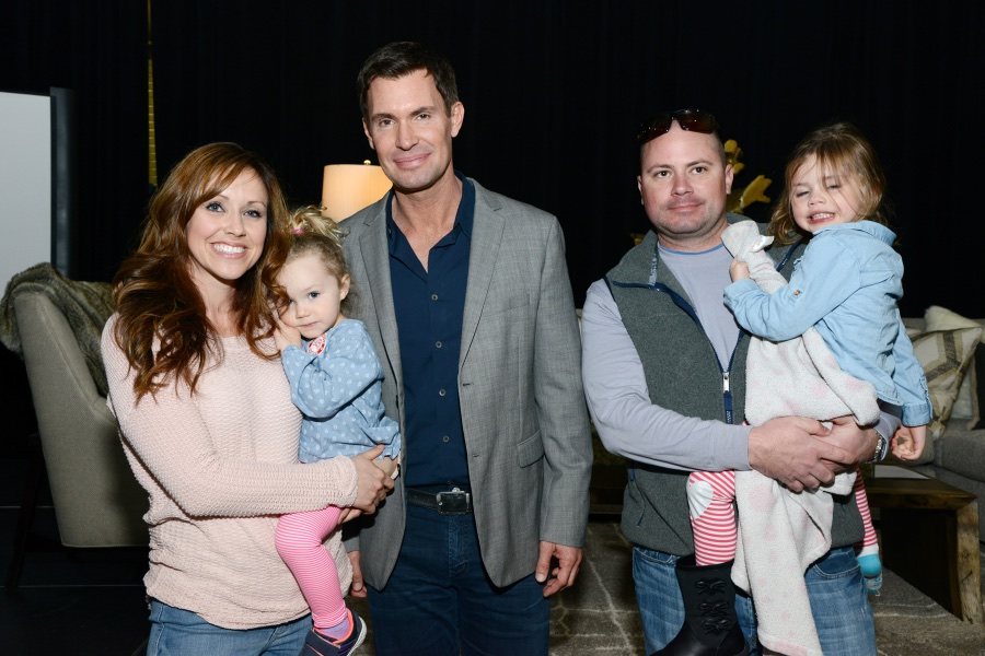Jeff Lewis was very gracious about posing for photos with fans. Photo: Lisa Stewart Photography