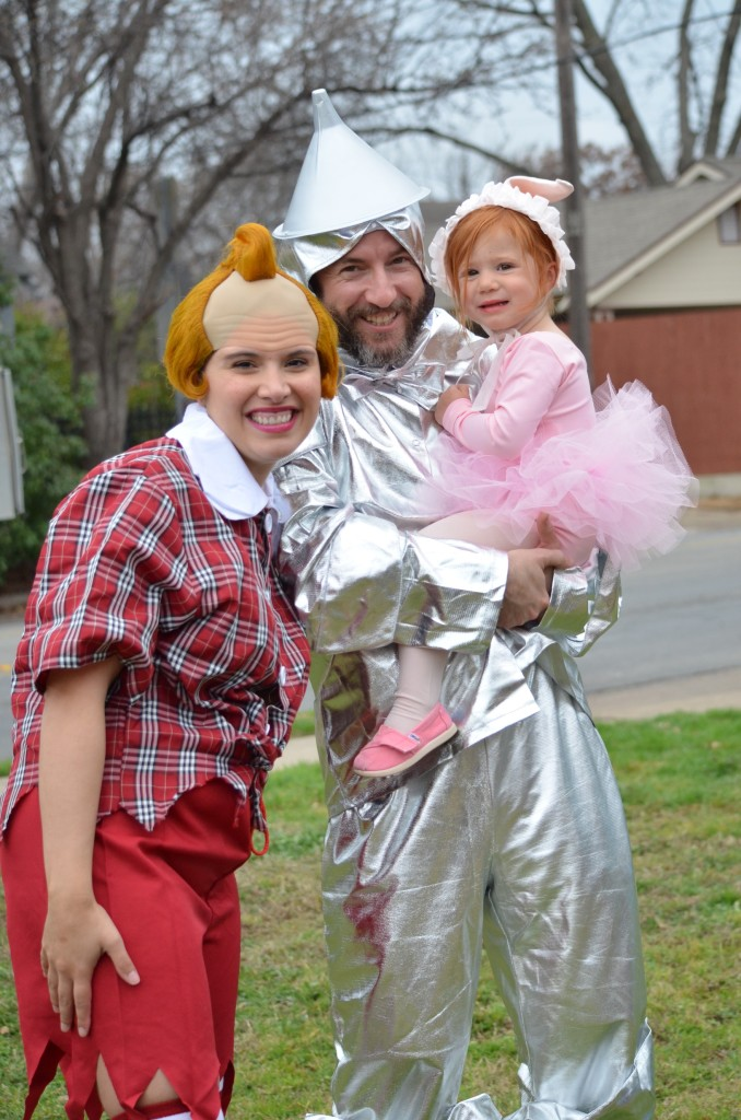 Family Style on the Winnetka Heights Wizard of Oz float. Photo: Lisa Stewart Photography.