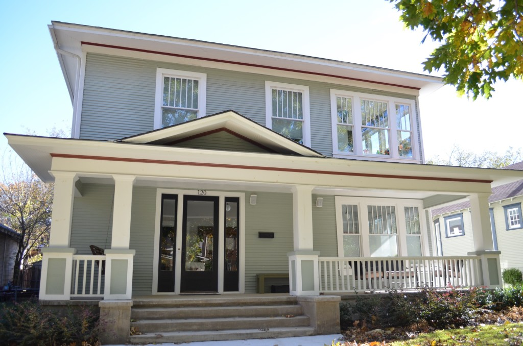 Historic Craftsman style home in Winnetka Heights. Photo: Lisa Stewart Photography