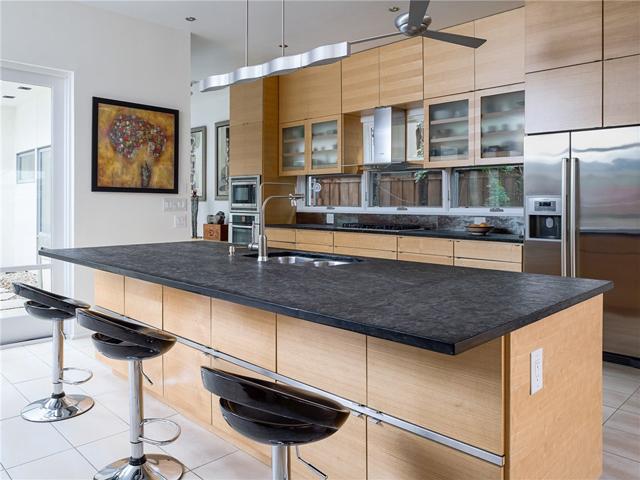 3314 Dartmouth Kitchen 2
