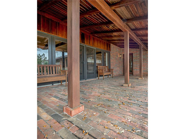 7147 Alexander Covered Patio