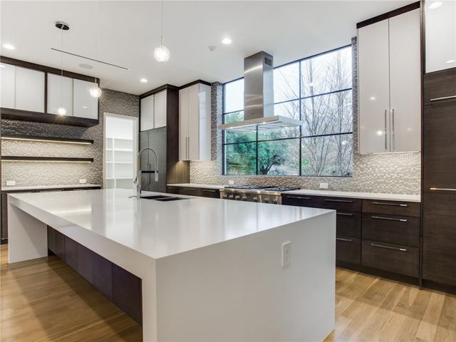 8403 Swananoah Kitchen 2