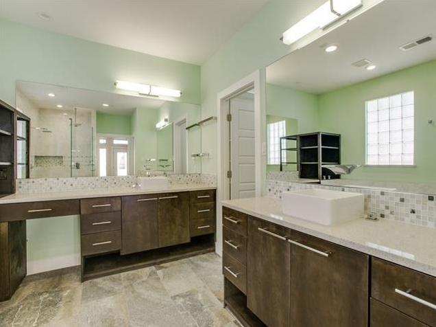 8623 San Leandro Master Bath