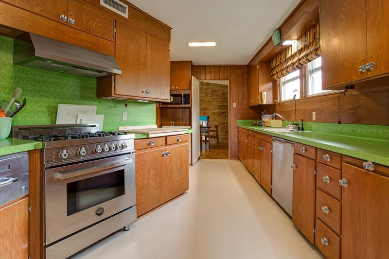 3401 Dorothy Lane Kitchen