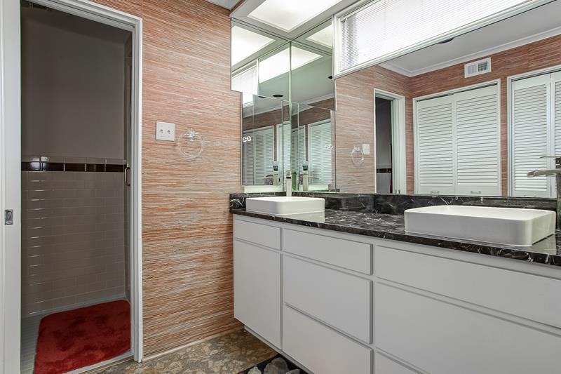 3401 Dorothy Lane Master Bath
