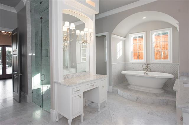 701 Alta Drive Master Bath