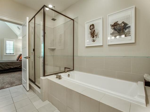 3618 N. Fitzhugh Master Bath 2