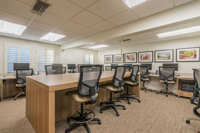 Ebby Office-16
