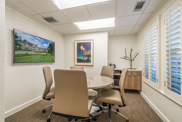 Ebby Office-19