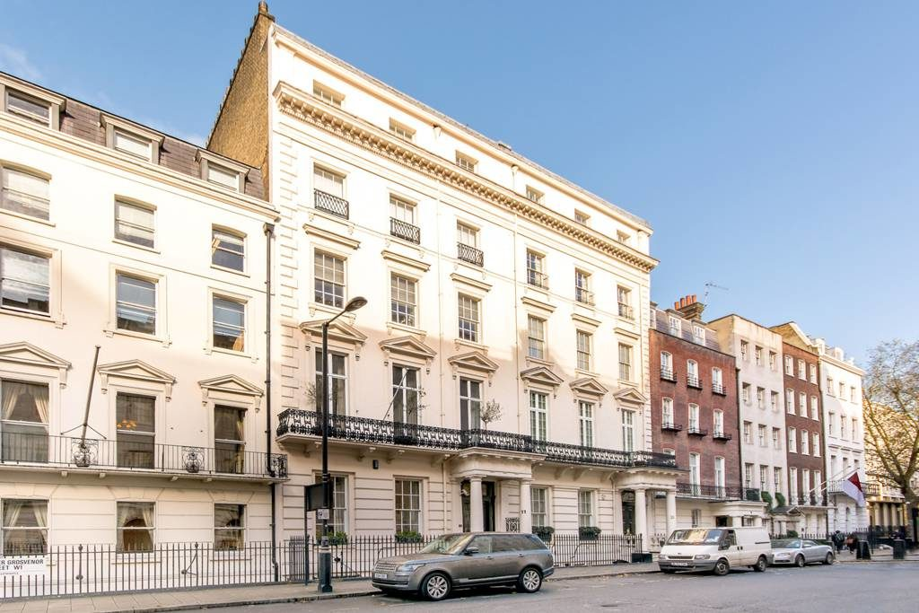 Mayfair two bedroom condo, 2,215 square foot unit listed at £5,600,000