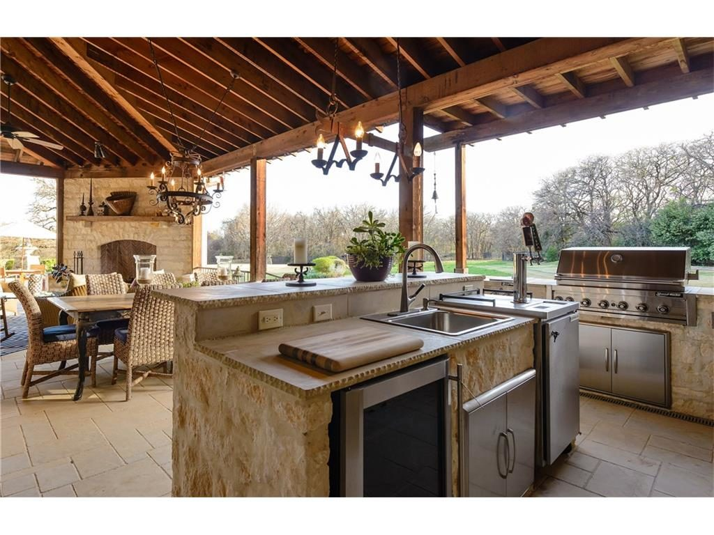 2252 king fisher dr outdoor kitchen