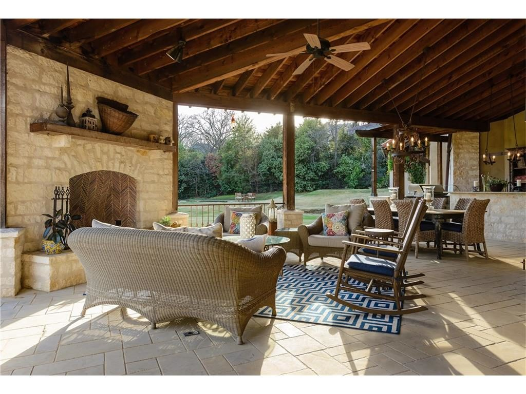 2252 king fisher drive outdoor living