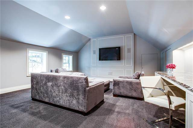 23 Ash Bluff Home Theater