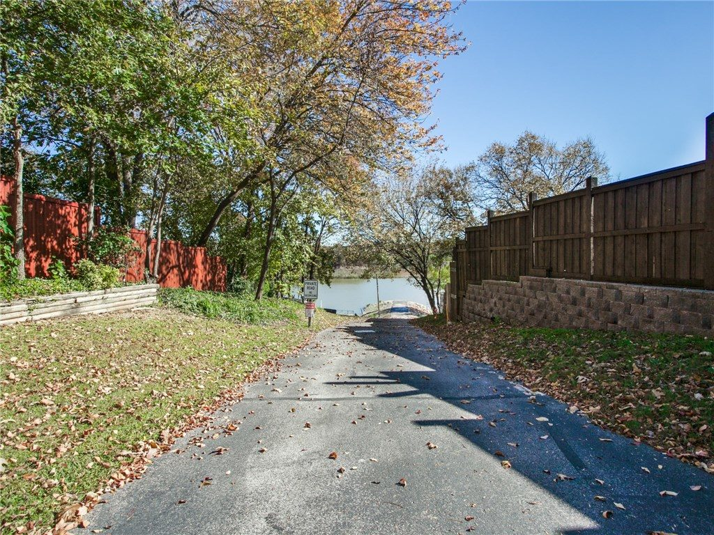 2505 lake ridge rod alley