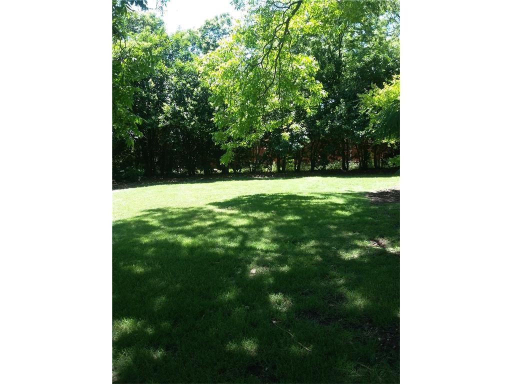 655 Peavy yard