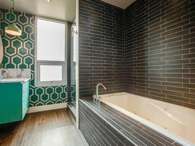 706 Kessler Woods Master Bath 2