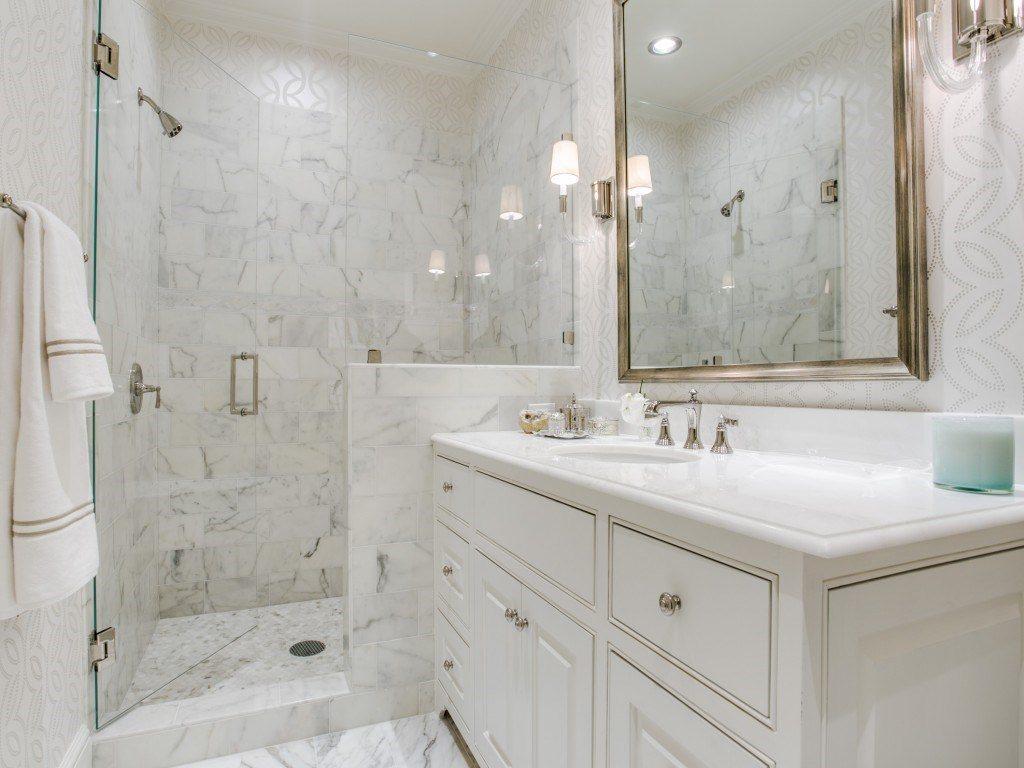 3900 Miramar white marble bath