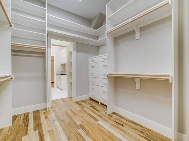 3772 Seguin Drive Master Closet
