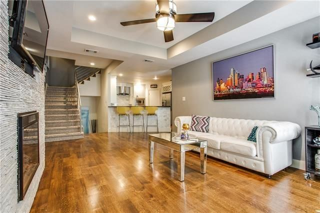 Uptown Townhome Offers Downtown Views   Candy's Dirt