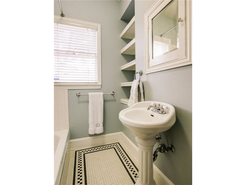 5839 Marquita Bathroom