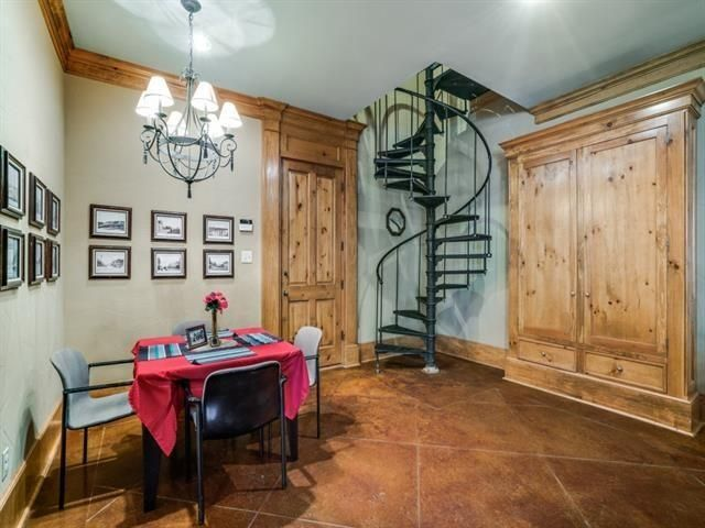 5726 Vickery stairs