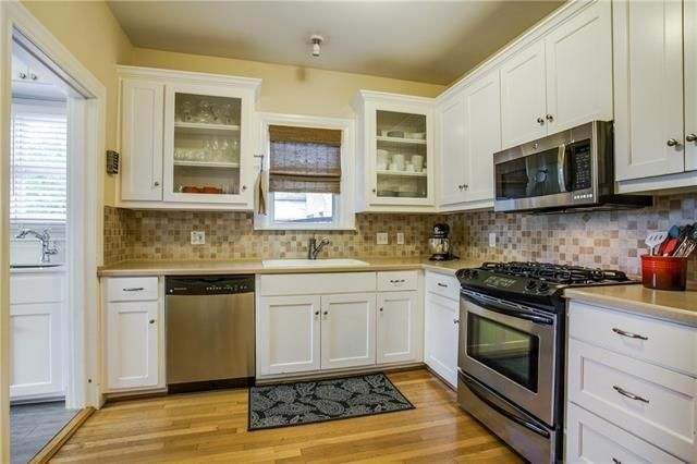 6030 Mercedes kitchen 2