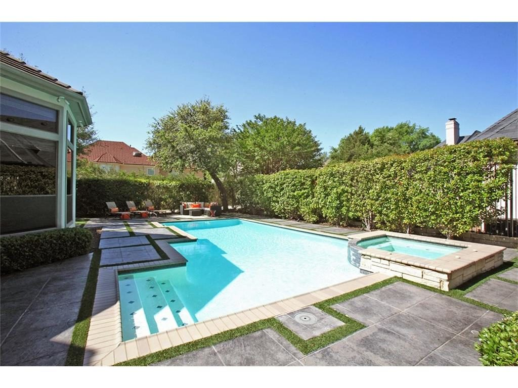 Dowling Drive pool
