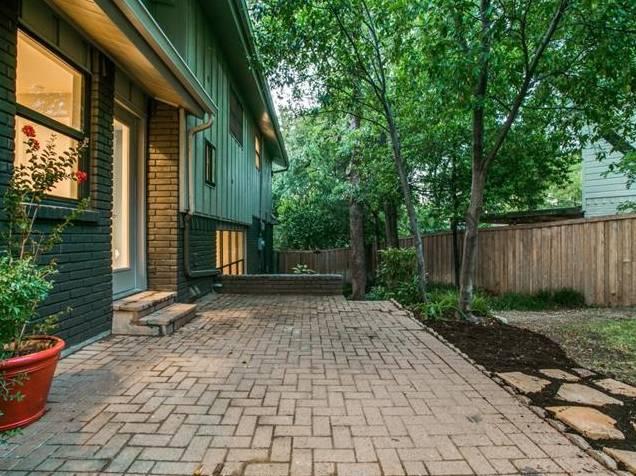 Lochwood 10551 Silverock Backyard