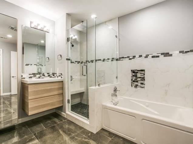 Lochwood 10551 Silverock Master Bath 2
