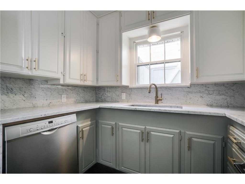 Mercedes kitchen2
