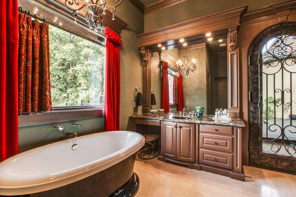 SOUTHLAKE 1900 Shady Oaks Master Bath