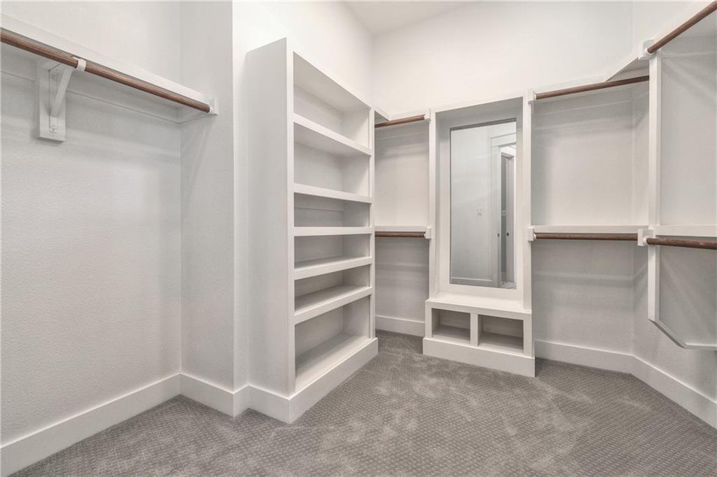 10136 Robin Hill Lane master closet