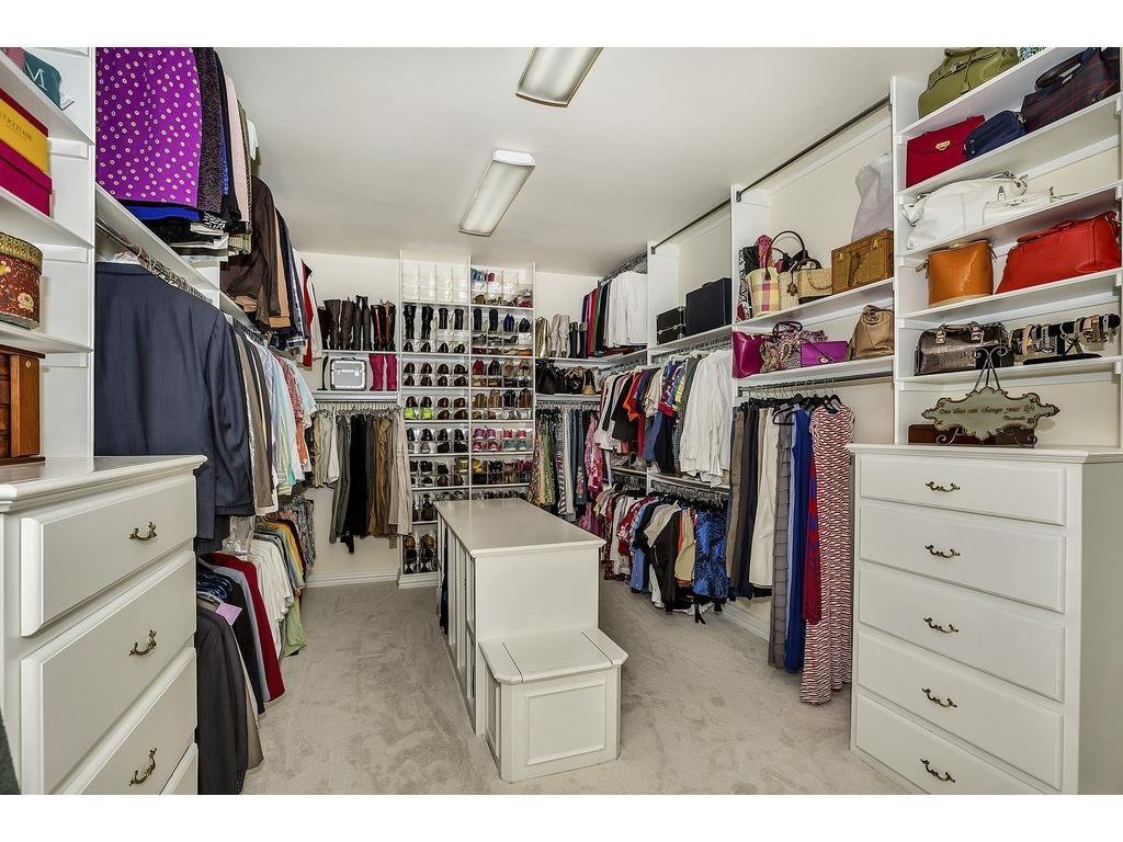 4504 Tour 18 master closet