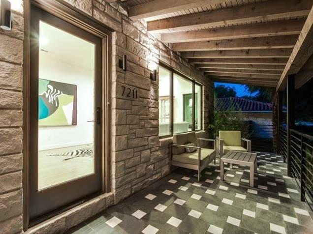 7211 Tokalon Front Porch
