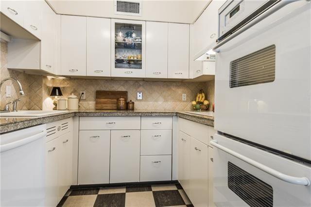 6151C - Kitchen