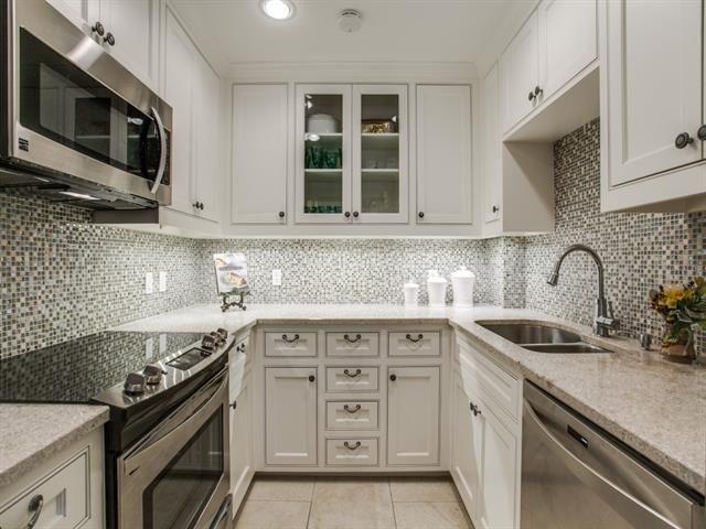 6151D - Kitchen 1