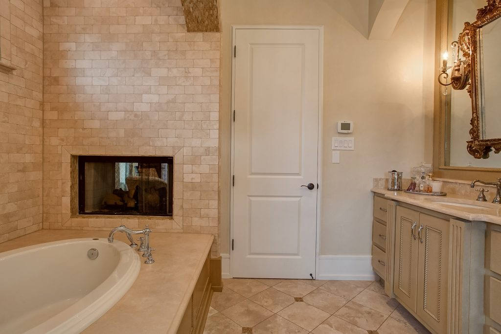 6808 Shadow Creek Court-12a