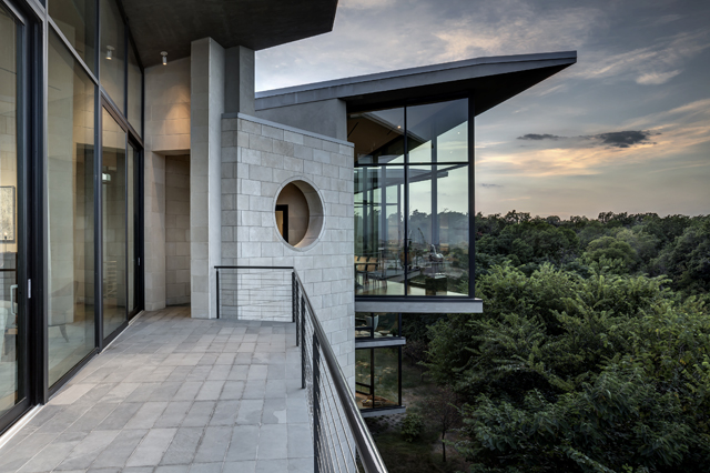 Malone Cliff Residence - Dallas Texas
