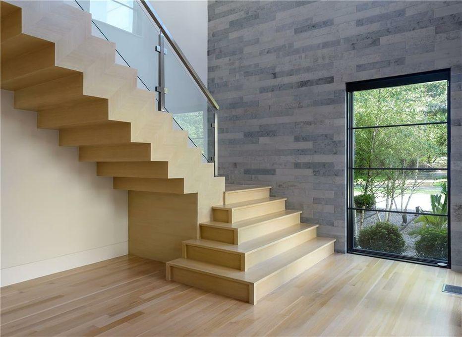 4020 Mangold Circle staircase drama