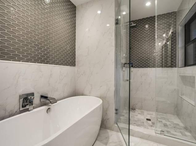 428 Edgelake Downstairs Bath 2