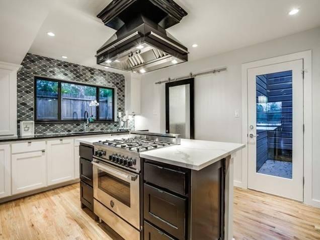 428 Edgelake Kitchen Island