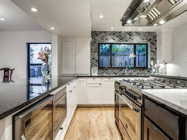 428 Edgelake Kitchen