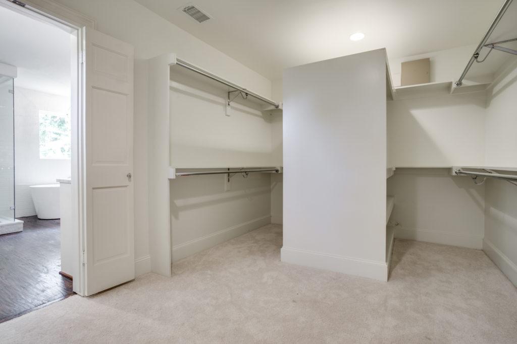 4633 Edmondson master closet