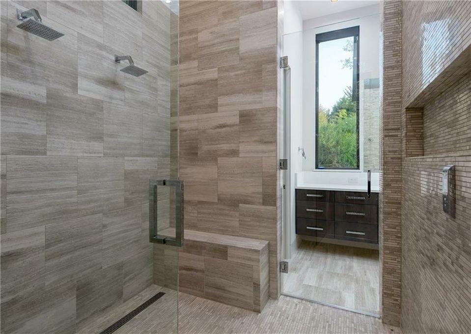 4920 Mangold Circle MSTR BTH 3 shower